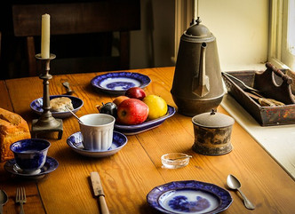 FAMILY MEAL PLANNING PART ONE: THE IMPORTANCE OF THE FAMILY DINNER TABLE