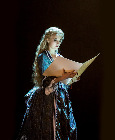 Emmi Christensson as Christine in The Ph