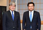 バッチジャルガル駐日モンゴル大使による鷲尾外務副大臣表敬