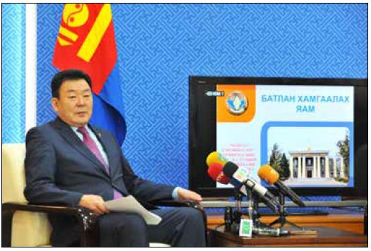 防衛大臣、兵士を大規模な開発に寄与