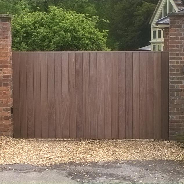 Trackless Sliding gate from outside.jpg