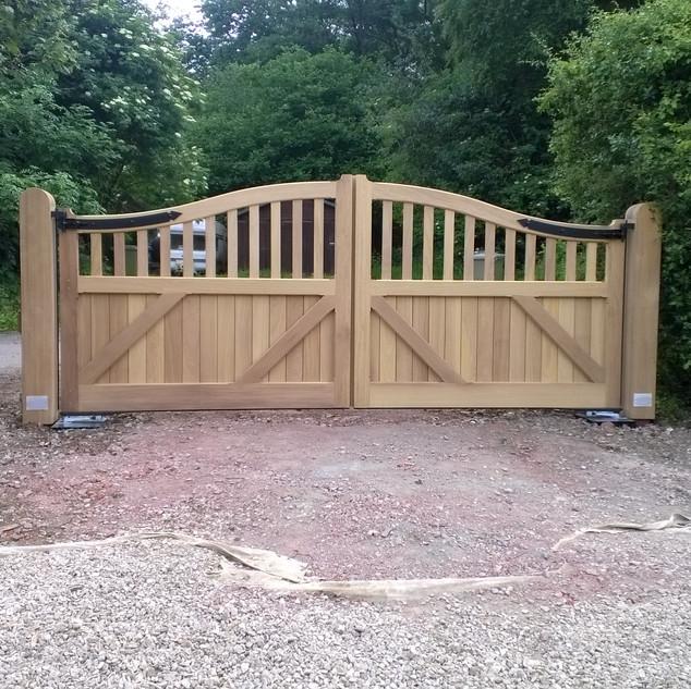 Boxford gates