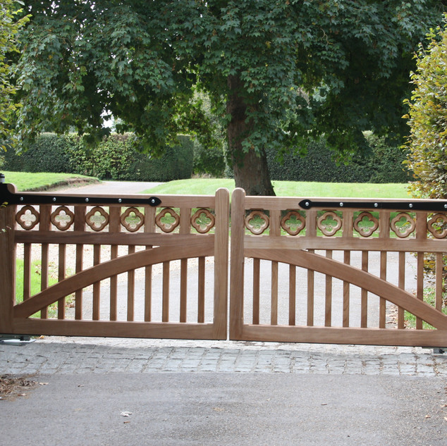 Wootton Gates