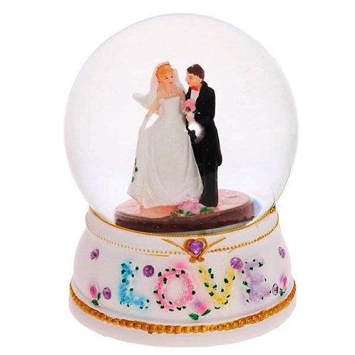 Стеклянный снежный шар Жених и невеста