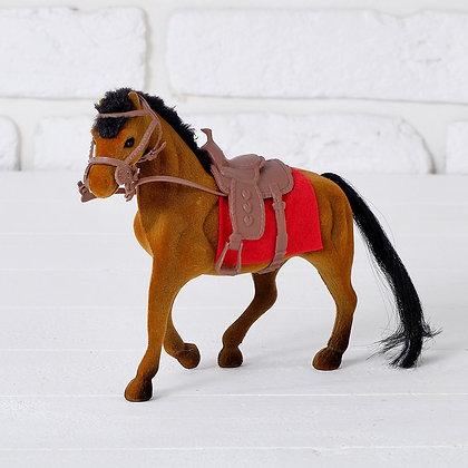 Лошадка флокированная, 20 см.