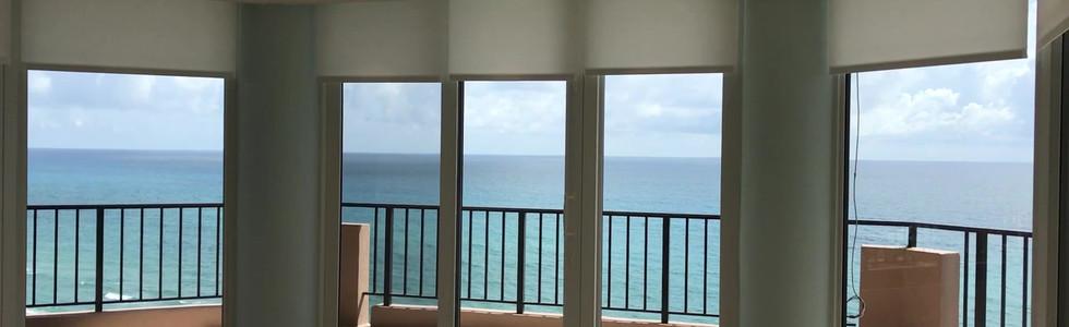 •Beachfront Condo, Juno Beach