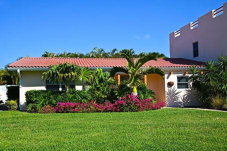 bigstock-A-Beautiful-Florida-House-Near-