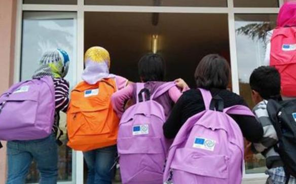 Απειλούν διευθυντή Γυμνασίου στο Βόλο γιατί δέχθηκε προσφυγόπουλα