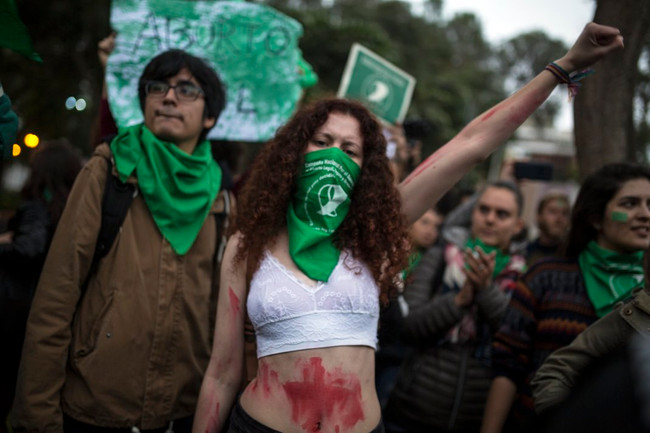 Αργεντινή: Ανάγκασαν 11χρονη να γεννήσει το παιδί του 65χρονου βιαστή της...