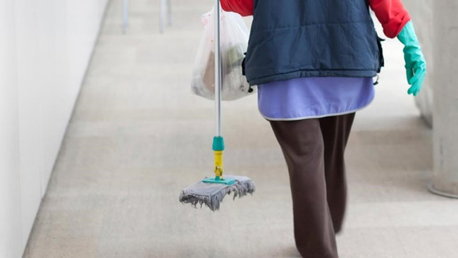 10χρόνια φυλάκιση σε καθαρίστρια για πλαστό απολυτήριο Δημοτικού