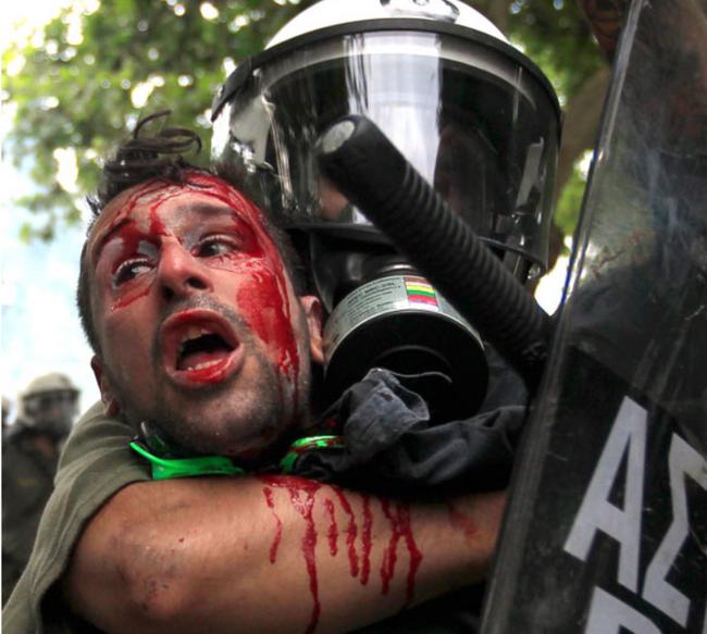 Αθώοι όλοι οι μπάτσοι για τα επεισόδια στο Σύνταγμα το 2011