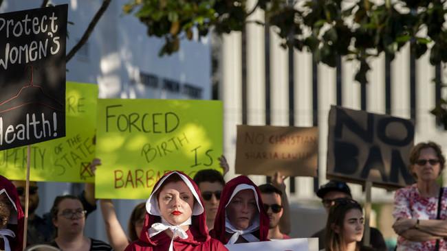 Απαγορεύονται οι εκτρώσειςστην Αλαμπάμαακόμα και για περίπτωση βιασμού