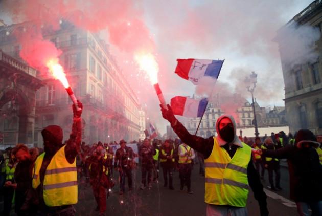 Γενική απεργία στην Γαλλία! - Ψηφίζεται νομοσχέδιο κατά των διαδηλώσεων...