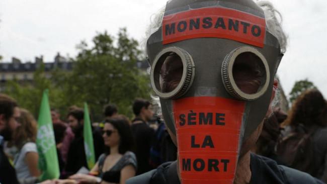 Πρόστιμο 2 δις για καρκίνο που προκάλεσε σε ζευγάρι το ζιζανιοκτόνο της Monsanto