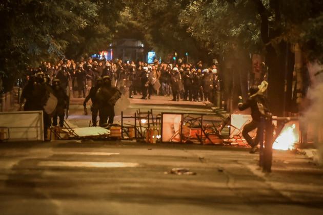 Αύρες νερού, αστυνομική βία και συλλήψεις στην επέτειο του Πολυτεχνείου