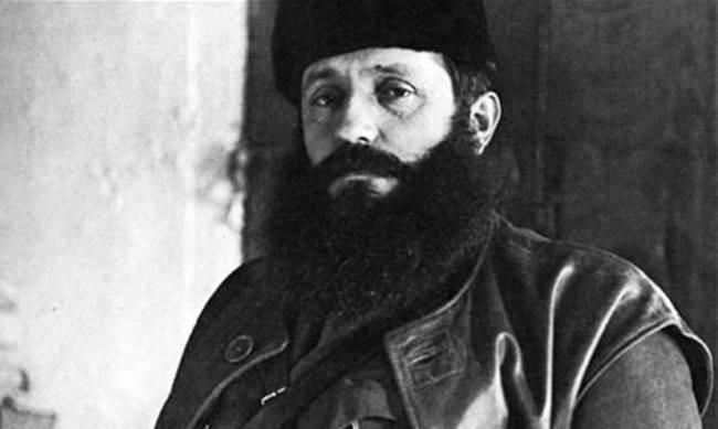 Το ΚΚΕ θυμήθηκε να αποκαταστήσει κομματικά τον Άρη Βελουχιώτη μετά από 73 χρόνια!