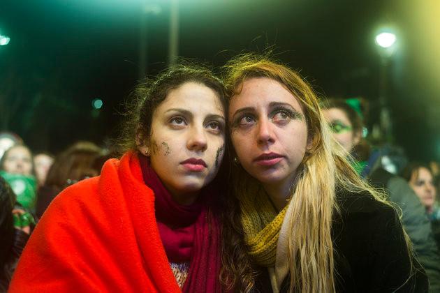 Οι γυναίκες στην Αργεντινή πεθαίνουν όσο οι αμβλώσεις είναι παράνομες