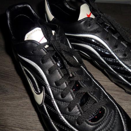 Retro Look: Nike Mercurial 2.1