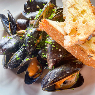New for summer: NE IPA mussels