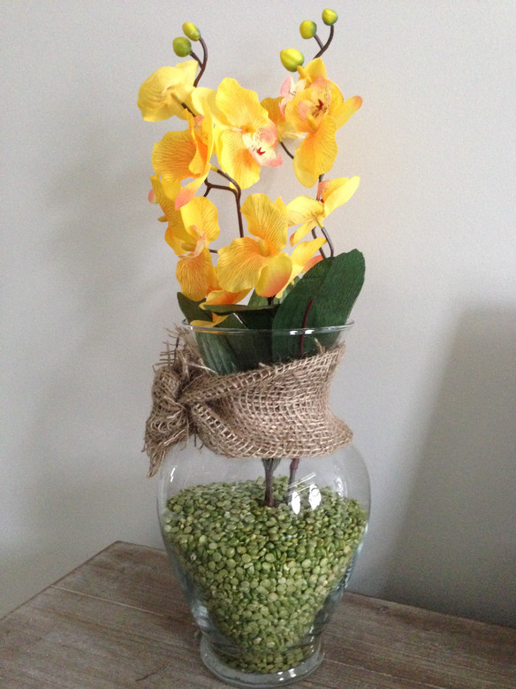 Simple DIY Spring Vases