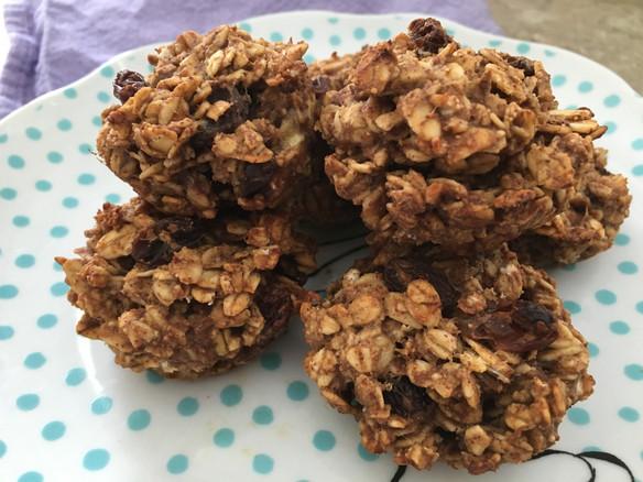 Cinnamon Raisin Oatmeal Muffins