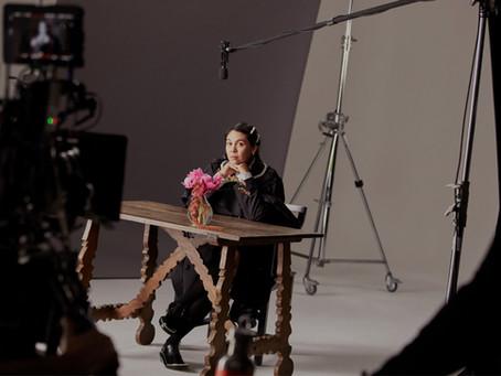 fashion in the news: simone rocha for H&M يستمر تعاون المصممين مع H&M