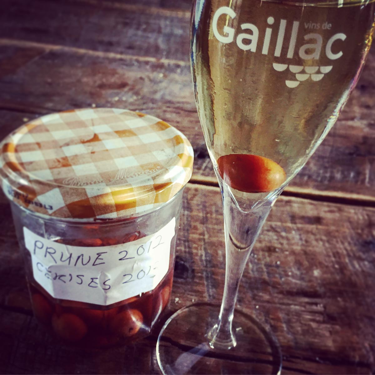 Steeped prunes with Gaillac Wine