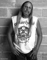 Glenn Anthony - bass