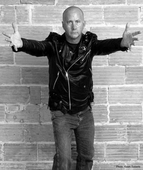 Robert Van War - Vocals