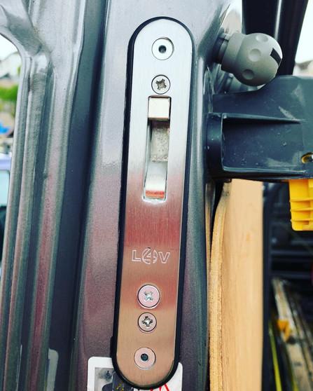 Locks 4 vans T Series Hook Deadlock