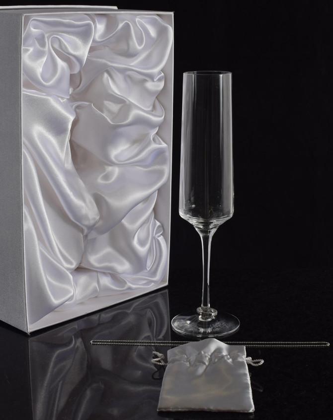 Champagneglas för 45,000:-