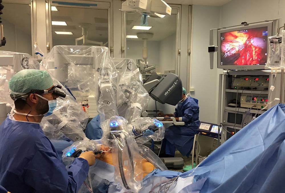 IFSein : reconstruction mammaire assistée par un robot