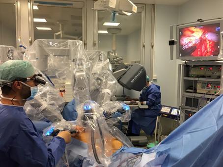 L'Institut Français du Sein réalise la première reconstruction du sein sans implant avec robot