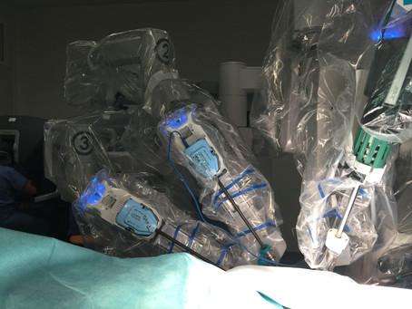 Chirurgie du cancer du sein « robot assistée » : l'innovation au service des patientes.