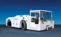trepel-airport-equipment-aircraft-tractor-challenger-280-01