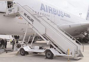 CMPS-228-Wide-Body-Passenger-Stair.jpg