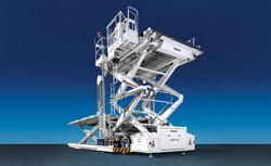 trepel-airport-equipment-cargo-high-loader-champ-350-01
