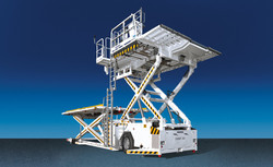 trepel-airport-equipment-cargo-high-loader-champ-200-01