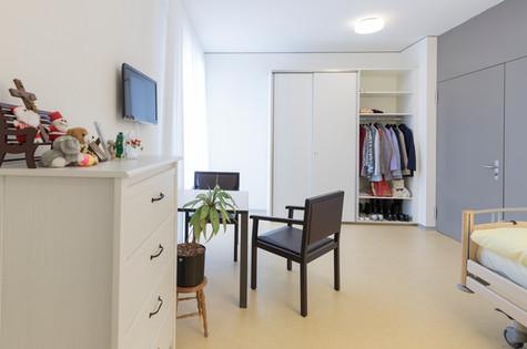 Zimmer 222_Haus Orange_01.jpg