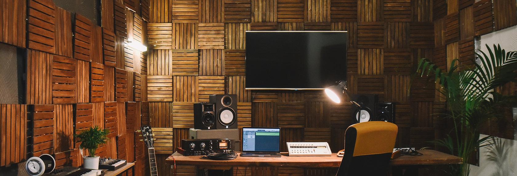 Studio | Editing Suite