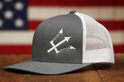 NS Logo Snap Back - White/Grey