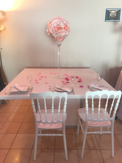 chaise_Napoléon_blanche_table_plexie_3