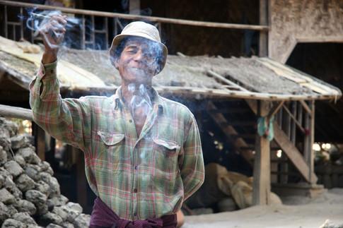 A Smokin' Greeting, Myanmar