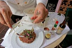 Steak Tartare at the Polo Lounge