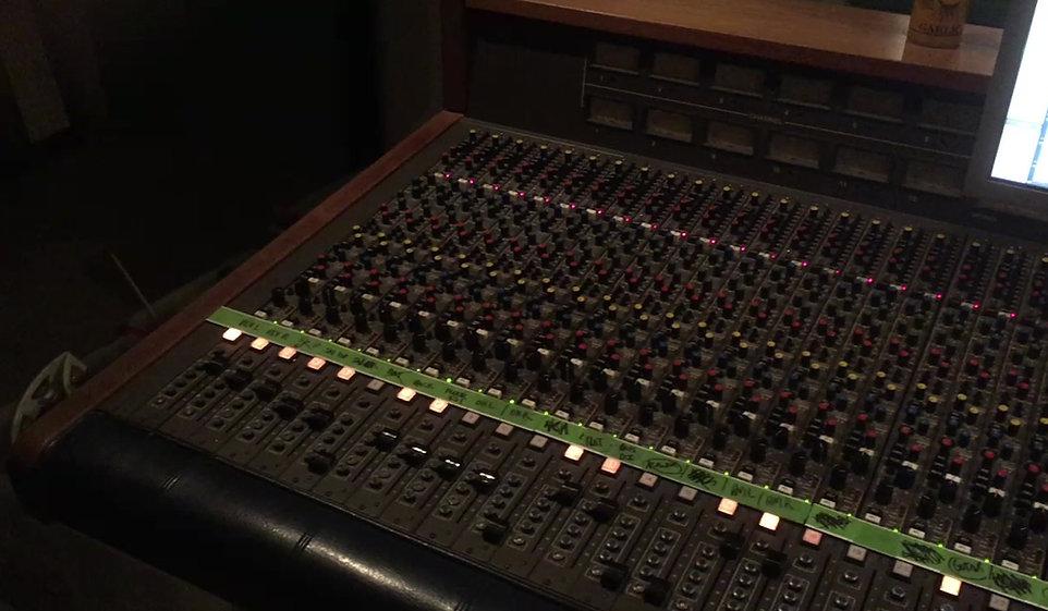 """Yawning Man recording """"Mudmen."""""""