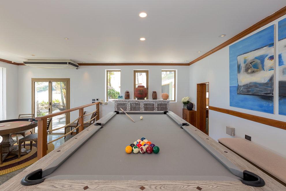 Living room_011.JPG