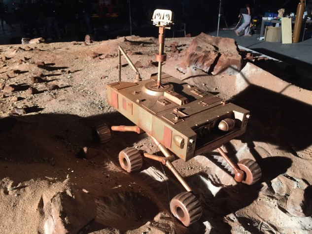MINIATURE MARS ROVER & SPACE STATION MODELS