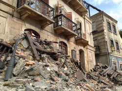 Model bombed buildings and rubble