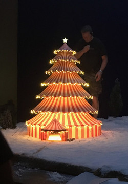 1:24 scale Christmas tree tent