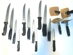 Rubber and Retractable Knife Props
